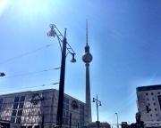 Dies ist der Fernsehturm in Berlin