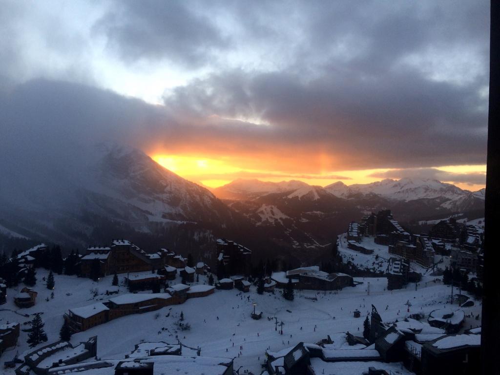 Sonnenuntergang in den französischen Alpen - vom Balkon in Avoriaz